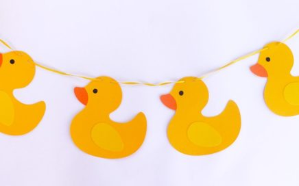 Guirnalda para decorar un baby shower de patitos/Manualidades Diy
